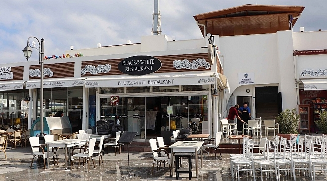 Kuşadası'nda normalleşme süreci başladı, lokantalar ve kafeler açıldı
