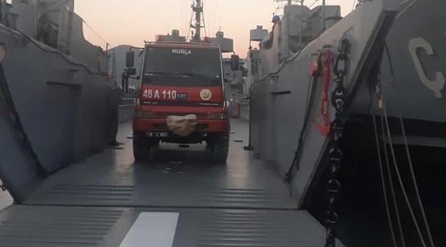 Muğla'daki yangına İHA'lı, çıkarma gemili müdahale