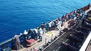 STK gemisi, göçmenleri Maersk Etienne'den ücret Karşılığı almakla suçlandı!