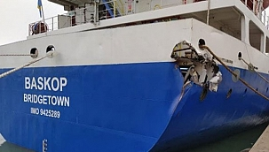 Türk sahipli gemi Venedik'te yük gemisi ile çarpıştı!