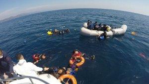 40 düzensiz göçmen Yunan unsurlarınca ölüme terk edildi!