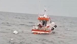 Batan balıkçı teknesinde bulunan 3 kişiyi KEGM ekipleri kurtardı! (Video)