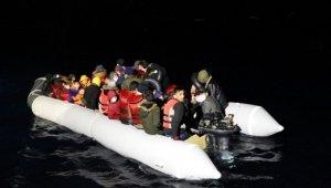 Çanakkale açıklarında 44 düzensiz göçmen kurtarıldı!