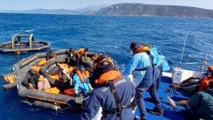 Çeşme açıklarında 37 düzensiz göçmen kurtarıldı!