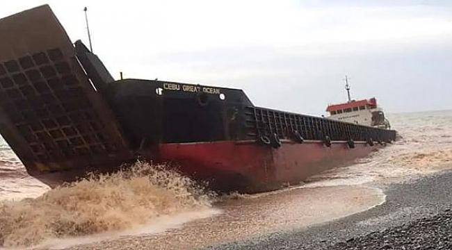 Filipinler'de iki gemi tayfuna yakalandı: 20 mürettebat kayıp!