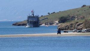 Foça'da düşen askeri uçağın enkazı denizden çıkarıldı!