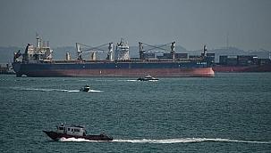 Singapur Boğazı'nda iki gemiye korsan saldırısı: Bir denizci yaralandı!