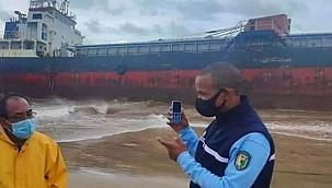 Terk edilmiş kargo gemisi Madagaskar'da karaya oturdu!