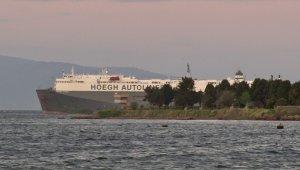 Tuzla'da karaya oturan gemi kurtarılmayı bekliyor!