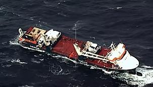 Yan yatarak sürüklenen gemiye 2 kurtarma römorkörü yollandı!
