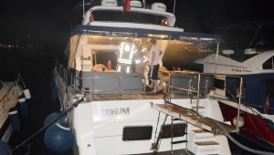 Bebek Sahili'nde korkutan tekne yangını!