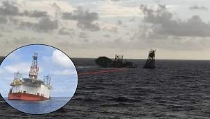 Malezya'da açık deniz platformu battı! (Video)