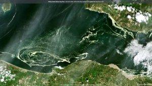 Marmara denizini saran deniz salyaları uydudan bile görüldü!