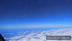 Rus avcı uçağı, Fransız uçaklarını Karadeniz'de engelledi!