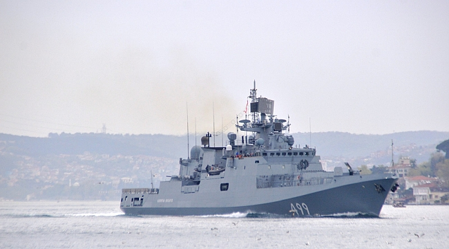 "Rus Donanmasına ait RFS 499 borda numaralı ""Admiral Makarov"" gemisi boğazdan geçti"