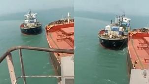 Seyir halindeki gemi demirdeki dökme yük gemisine çarptı! (Video)
