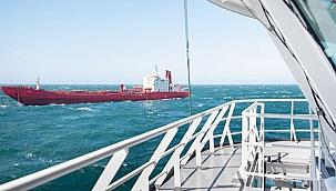 Söküm için Aliağa'ya çekilen geminin halatı Manş Denizi'nde koptu!
