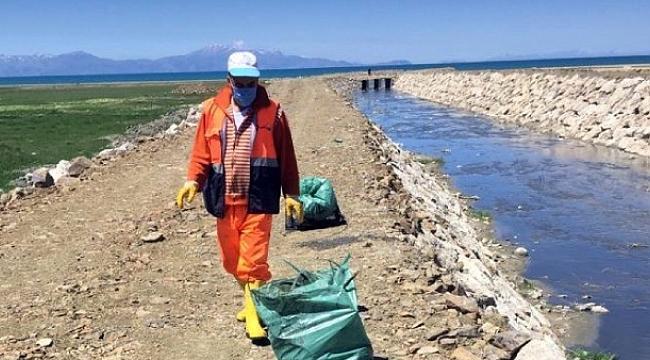 Van Büyükşehir Belediyesinden balık göçü temizliği!