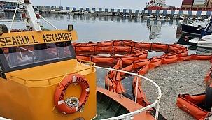 Asyaport Limanı acil müdahale ekibinden deniz salyası temizliği!