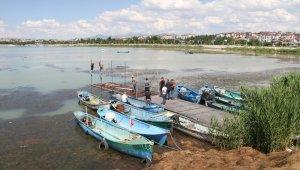 Beyşehir Gölü'nde balıkçılar, yeni av sezonuna hazırlanıyor!