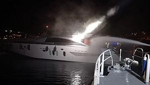Bodrum'da İngiliz bayraklı tekne alevlere teslim oldu: 3 kişi kurtarıldı!
