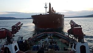 Çanakkale'de 199 metrelik yük gemisinin dümeni kilitlendi!