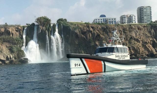 Finike'de 19 metrelik yeni sahil güvenlik botu hizmete girdi!