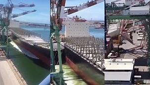Kontrolünü kaybeden konteyner gemisi dev vinçleri devirdi! (Video)
