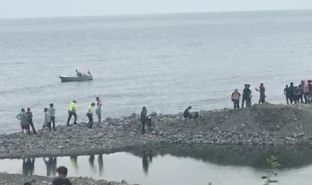 Rize'de denizde kaybolan gencin cansız bedenine ulaşıldı!