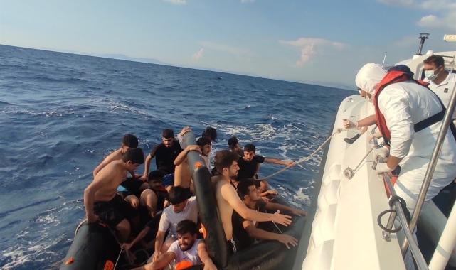 Yunanlıların ölüme terk ettiği 100 düzensiz göçmen kurtarıldı!