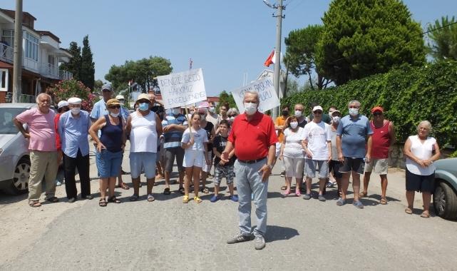 Denize ulaşımı engellenen vatandaşlar yol kapattı!