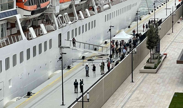 Galataport İstanbul'a ikinci yolcu gemisi demir attı!